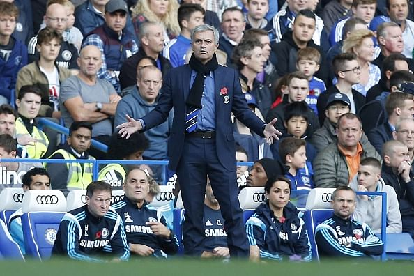 Jose Mourinho unimpressed with Chelsea players and fans alike; practices half-time shock therapy