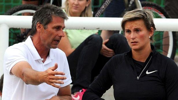 Olympic javelin champion Spotakova splits with coach