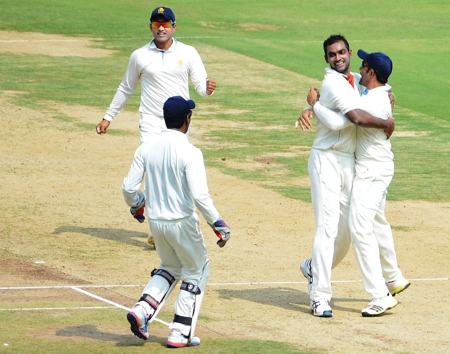 Vijay Hazare Trophy: Abhimanyu Mithun stars as Karnataka seal dramatic victory over Bengal to qualify for final