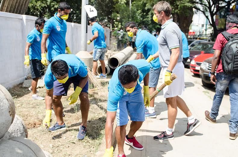 Bengaluru FC, fans team up to promote 'My Clean India' campaign