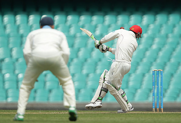 Helmet manufacturers Masuri to look into footage of Phil Hughes injury as he remains in critical condition