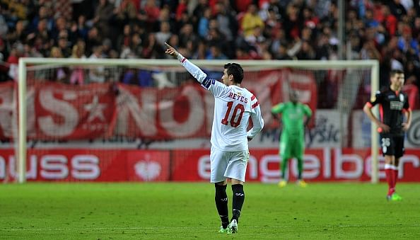 Video: Sevilla score the best team-goal of the year during their 3-1 win against Standard Liege