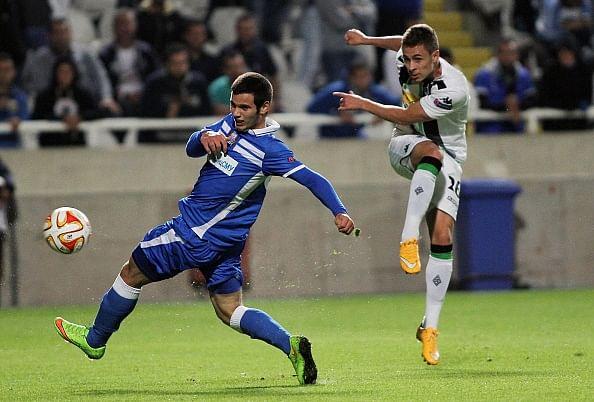 Video: Thorgan Hazard sets up a brilliant goal for Gladbach striker Raffael in the Europa League