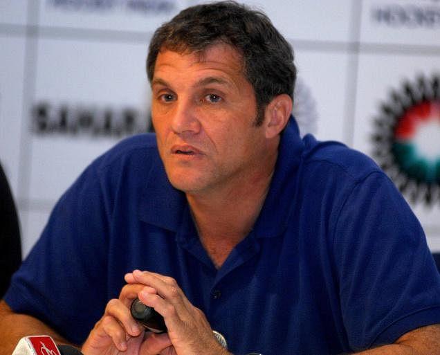 Women's hockey coach Neil Hawgood quits