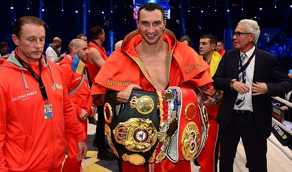 Wladimir Klitschko knocks out Pulev to defend his titles