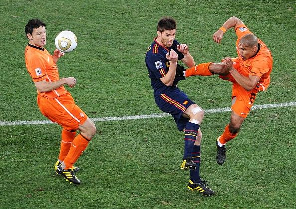 KNVB looking to introduce video referee in football