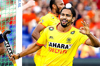 Akashdeep Singh excited to play with Sardar Singh and Simon Child again in HIL