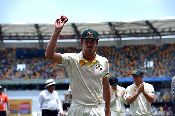 Australia vs India 2014/15 - 2nd Test, Day 2: Josh Hazlewood stars but Umesh Yadav gives India edge