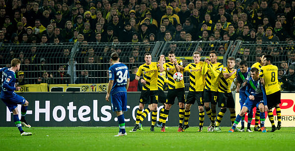 Bundesliga: Wolfsburg hold Borussia Dortmund 2-2