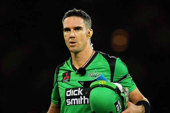 Video: Kevin Pietersen's helicopter shot in the Big Bash