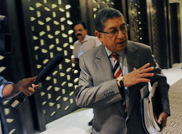 Supreme Court asks N Srinivasan to choose between BCCI and CSK