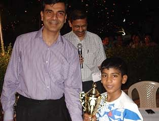 Gold for Navaneeth Prabhu in junior squash tourney