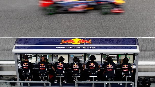 Formula 1 Technical: Importance of a F1 Pit Wall