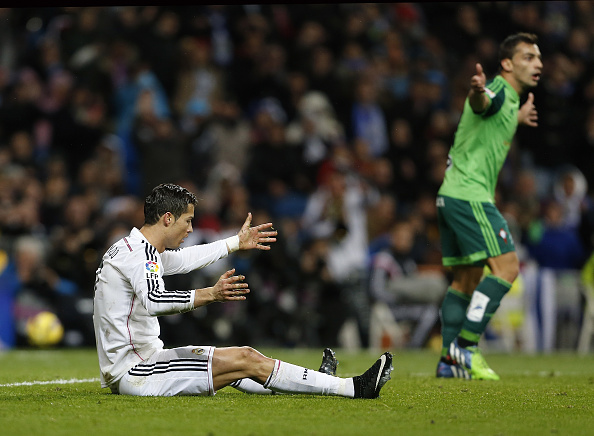 Video how cristiano ronaldo dived to win a penalty for Cristiano ronaldo dive