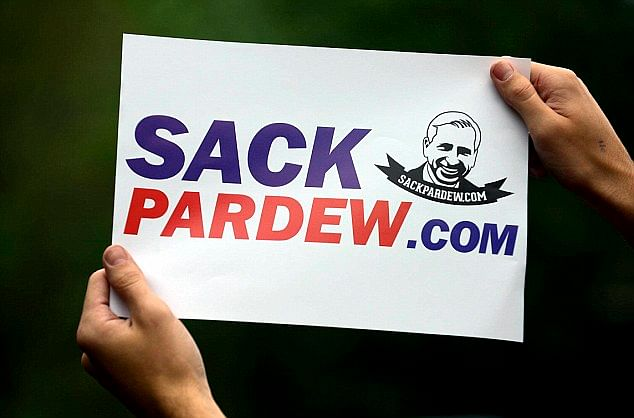 Is there a managerial sack-race in the 2014-15 Premier League season?