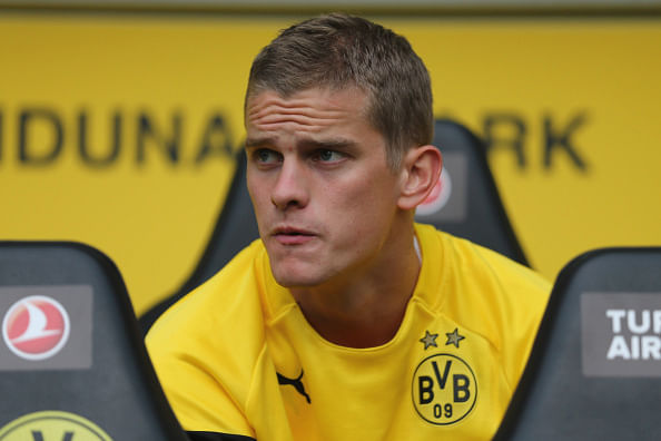 Video: Sven Bender tackles two Hoffenheim players with hilarious result