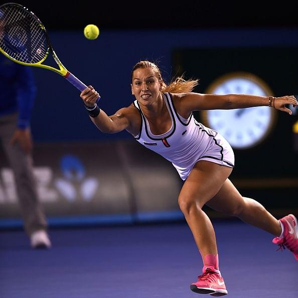 Dominika Cibulkova battles past Victoria Azarenka to reach quarterfinals at the Australian Open
