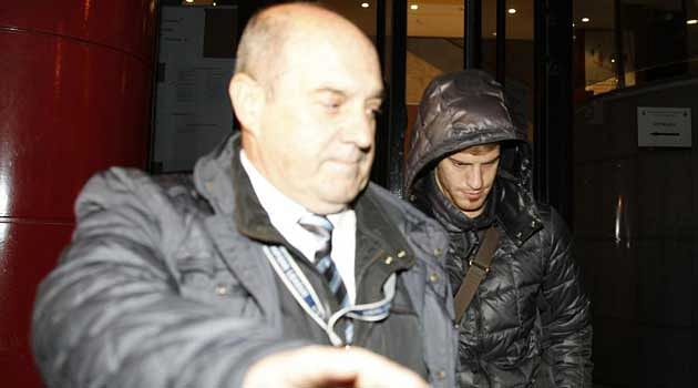 Atletico Madrid's Cristian Ansaldi arrested for slamming car door on policeman's hand