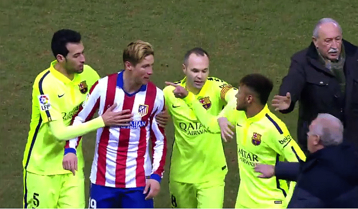 Video: Atletico Madrid and Barcelona players square-off at half-time during Copa del Rey clash