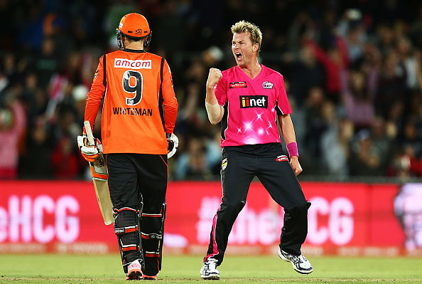 Video: Brett Lee's incredible final over