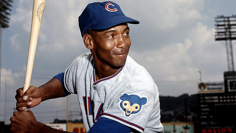 Baseball great Ernie Banks dies at 83