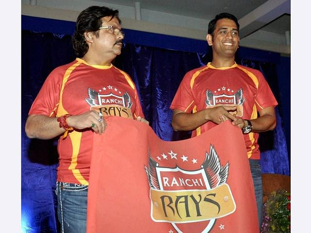 Co-owner MS Dhoni wishes Ranchi Rays ahead of the HIL