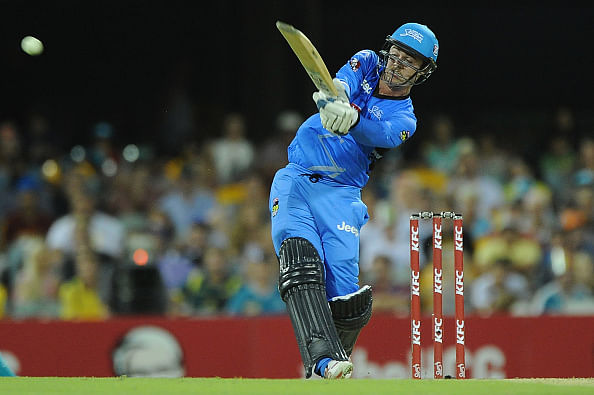 Big Bash League 2014-15: Travis Head leads Adelaide Strikers to top spot