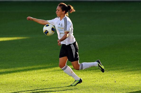 FIFA Ballon d' Or 2014: Interview with Women's winner Nadine Kessler!