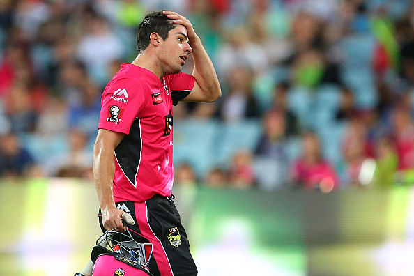 Moises Henriques suspended for a BBL match for slow over rate