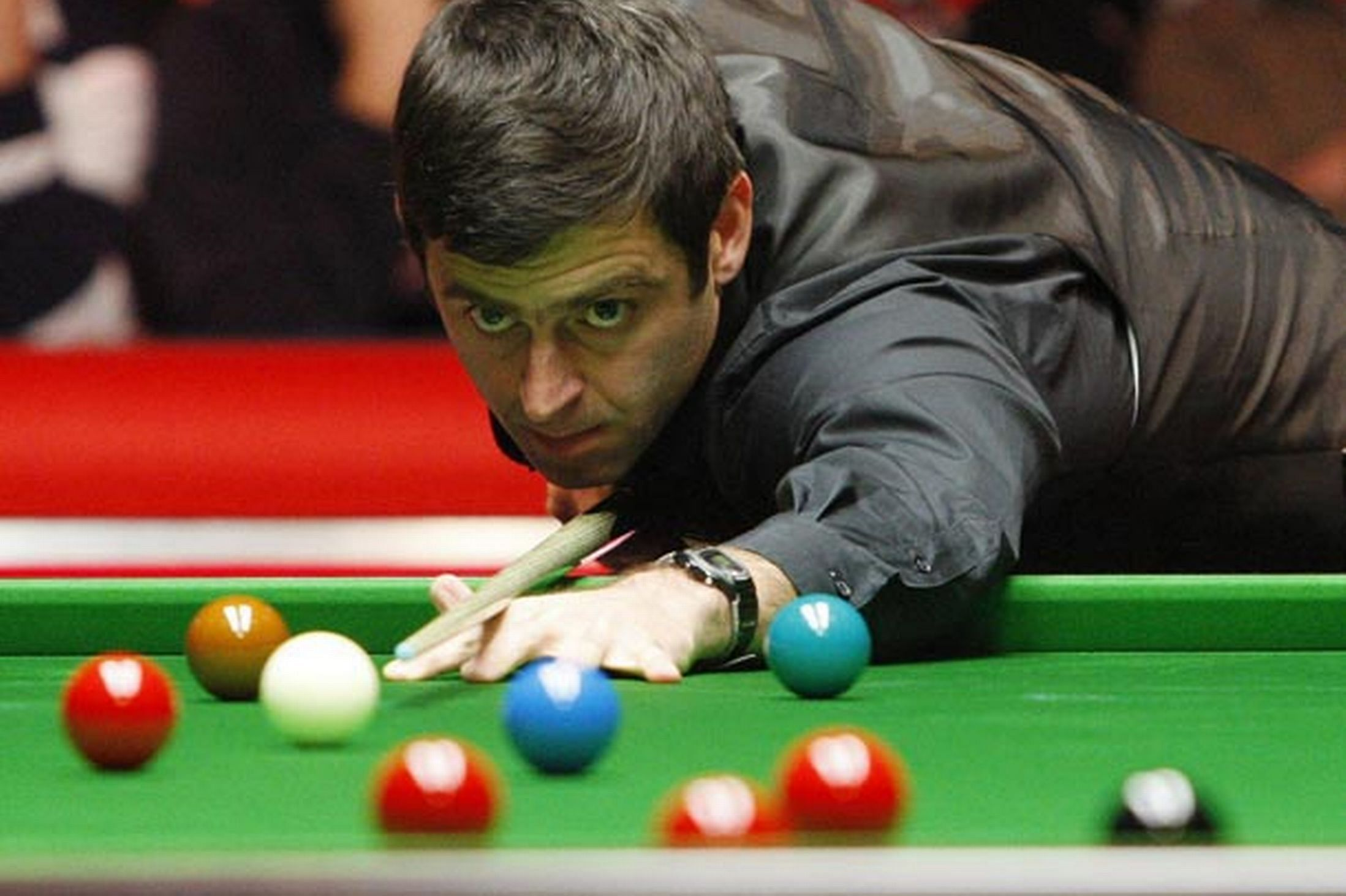 Ronnie O'Sullivan sets new tons record, enters snooker Masters semis