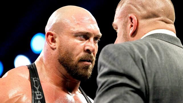 Ryback tweets about Triple H and a legendary Hall of Famer chops a fan(Video)