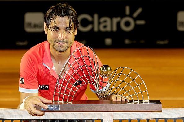 Ferrer aprovecha la derrota de Nadal y suma su título 23