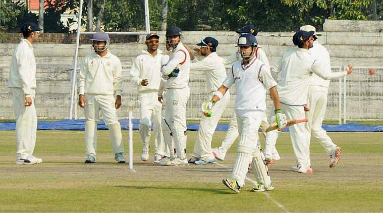 Bowlers wreak havoc on first day of Ranji Trophy final round matches