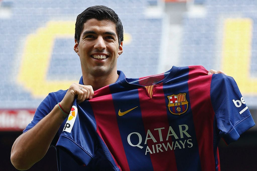 http://static.sportskeeda.com/wp-content/uploads/2015/02/luis-suarez-unveiling-at-barcelona-1424792421.jpg