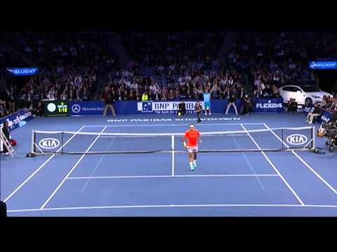 Video: 12-year-old stuns Roger Federer with perfect lob