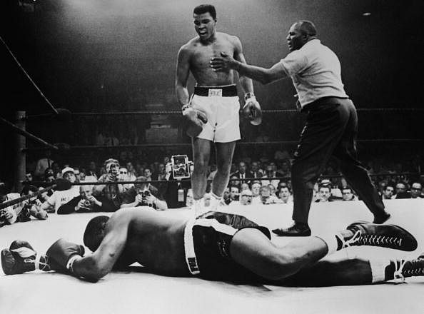 Video: The other 'Fight of the Century' - Muhammad Ali 'knocked out' by 3-year-old kid