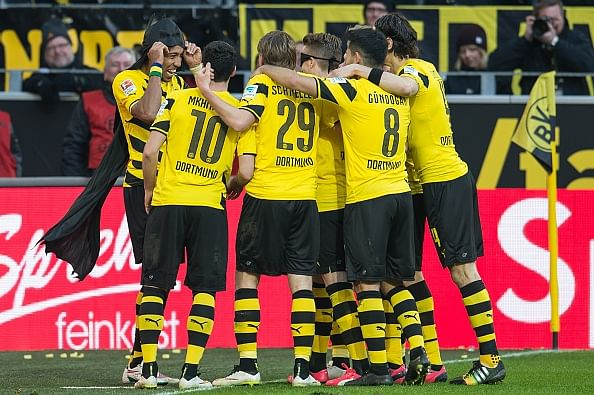 Borussia Dortmund defeat Schalke 3-0 thanks to starring efforts from Aubameyang and Marco Reus