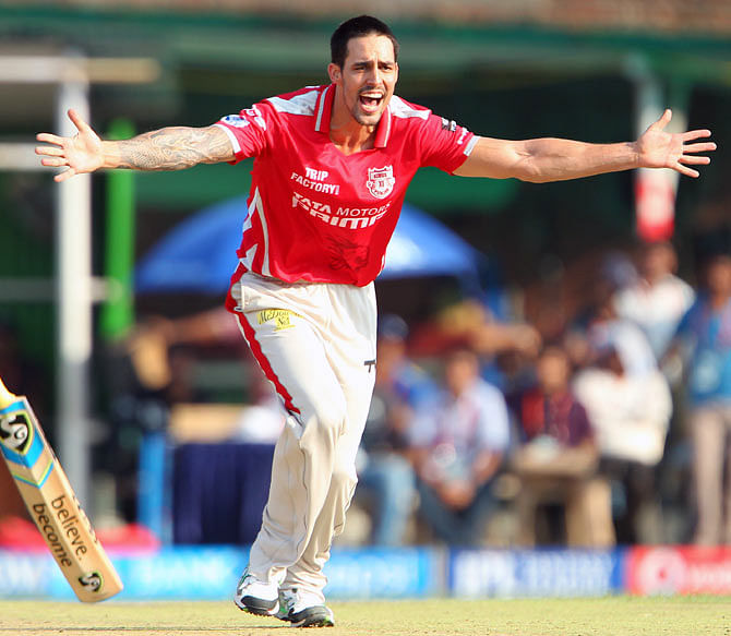 Mitchell Johnson: AB de Villiers most difficult to bowl against