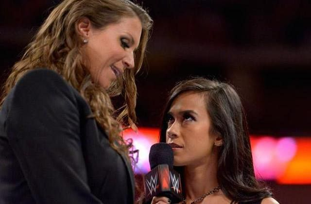 5 Reasons why WWE Univ...