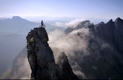 Video: Most insane bike ride ever attempted - 'The Ridge'