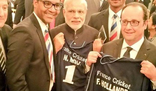 Modi, Hollande presented cricket jerseys