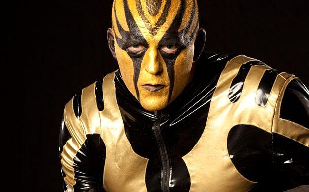 Goldust receives huge ovation, WWE Diva kisses Jimmy Uso, more