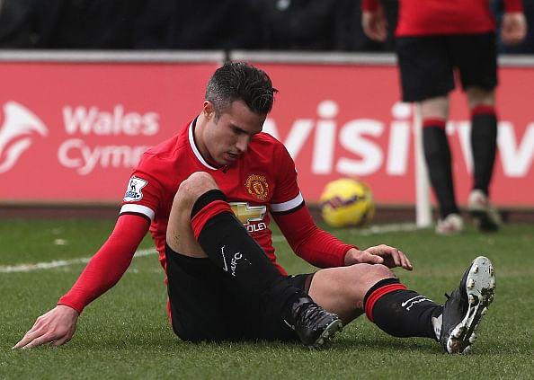Robin van Persie to miss Manchester derby