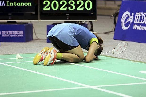 Ratchanok Intanon outlasts Li Xuerui to win Badminton Asia Championships