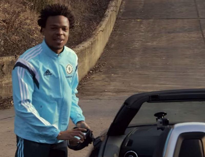 Video: Chelsea's Willian breaks rear-view mirror of an Audi TT Roadster during a photoshoot