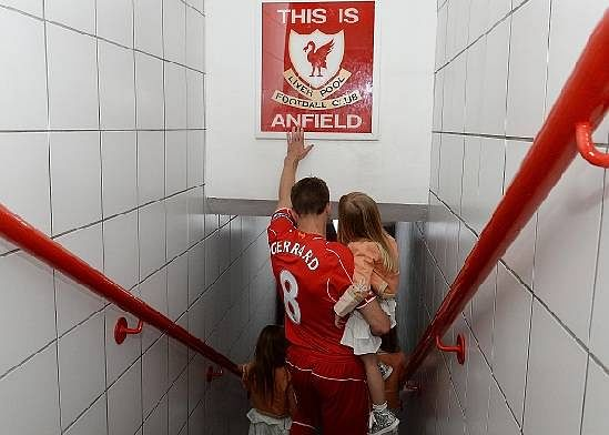 Steven Gerrard pours his heart out in emotional letter to Liverpool fans