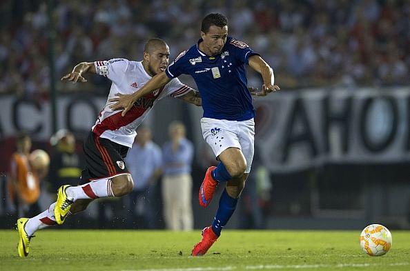 Cruzeiro beat River Plate, eyes Libertadores last four
