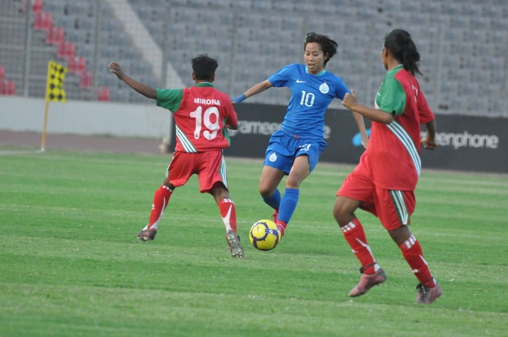 Woman footballers Oinam Bembem Devi, Bala Devi and Ashalata Devi to play in Maldivian League
