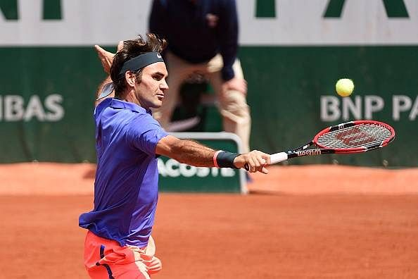French Open: Roger Federer romps to the third round with convincing win