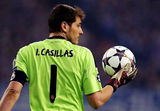 Casillas greater than Buffon, says former Italian goalkeeping great Dino Zoff